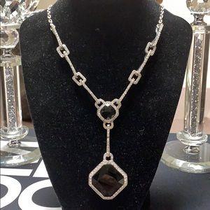 Jewelry - Exquisite and elegant necklace